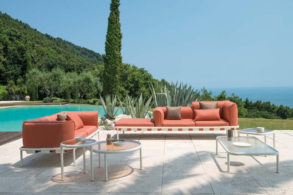 royal_outdoor_emu_-dock-gamma-di-schienali-e-sedute-per-creare-il-divano-perfetto-per-i-propri-spazi-il-divano-e-completamente-riconfigurabile-e-puo-assumere-un-volto-sempre-nuovo