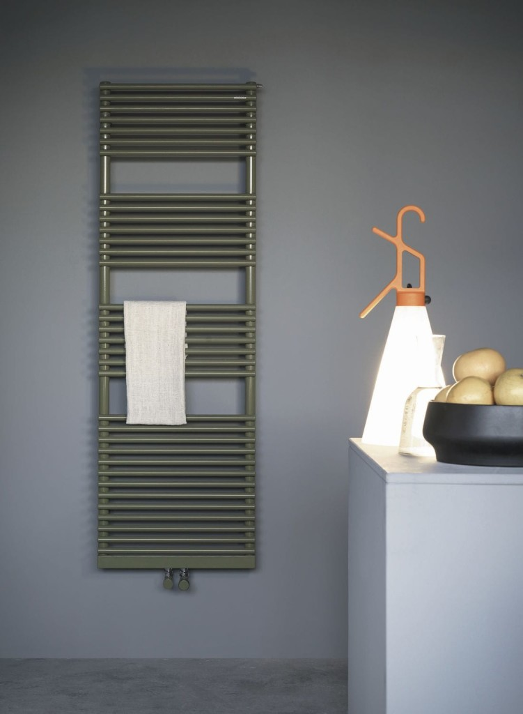 Hot water towel radiator / electric / tubular / vertical
